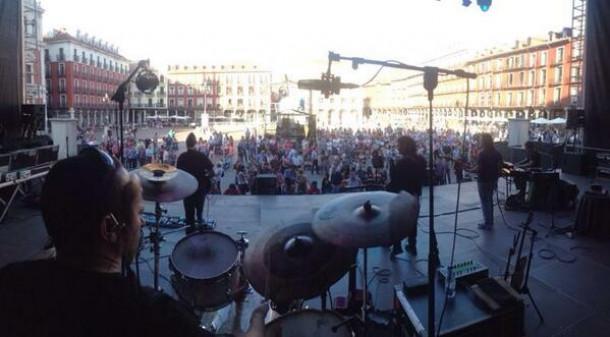 Los Secretos ponen la música en la Plaza Mayor a los 160 años de El Norte de Castilla